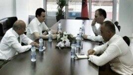 Vetëvendosje i bashkohet koalicionit LDK-AAK-NISMA