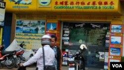 柬埔寨现有华人约80万,另有从大陆到柬经商务工的中国人近20万。(美国之音朱诺拍摄,2013年5月30日)