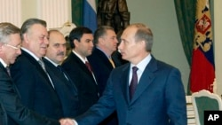 Владимир Пехтин - третий слева