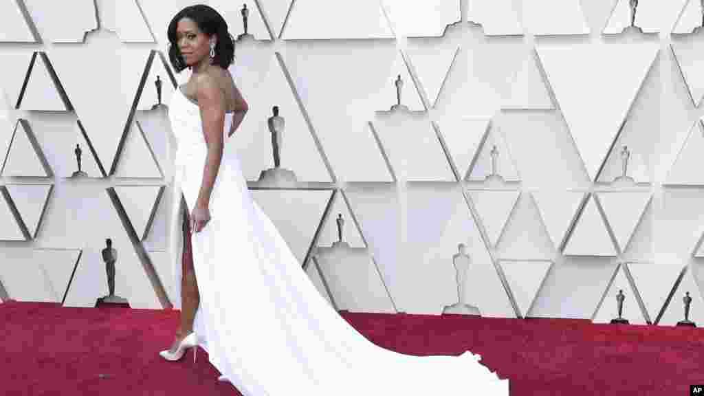 رجینا کینگ نامزد بهترین هنرپیشه زن در نقش مکمل برای فیلم اگر خیابان بیل میتوانست حرف بزند