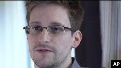 Edward Snowden (AP)