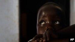Betty, 3 ans, Gulu, Ouganda, 27 avril 2012. Sa mère Sunday était une des dizaines d'épouses de Joseph Kony. Elle avait 13 ans quand la LRA l'a enlevée.