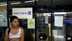 El gobierno venezolano argumenta que las aerolíneas prestan mal servicio y venden a un alto costo los boletos.