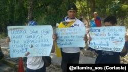 Un grupo de tuiteros venezolano pidió en Caracas que Obama firme las sanciones.