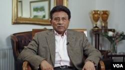 Mantan Presiden Pakistan Pervez Musharraf saat melakukan wawancara dengan kantor berita Reuters di London, 16 Januari lalu.