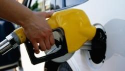 مقام مجلس: بهای هر ليتر بنزين در سال جاری ميتواند به ۶۰۰ تومان برسد