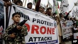 Manifestantes paquistanís protestan contra los ataques de drones.
