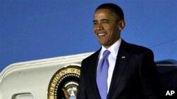 President Barack Obama arrives to attend the G-20 Summit in Seoul, South Korea, 10 Nov 2010.