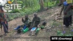 Picha inawaonyesha waasi wanaodai ni kikundi cha ISIS cha kigaidi wakiwa katika mavazi ya kijeshi huko Mabib, Ituri, DRCAugust 9 2021. (Photo/SITE)