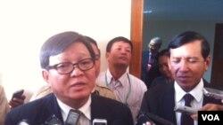 Ông Son Chhay, đứng đầu nhóm thương thuyết của đảng Cứu nguy Quốc gia Campuchia nói rằng thỏa thuận đạt được là một bước đúng hướng