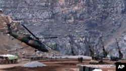 Helikopter militer Turki siap melakukan serangan terhadap militan Kurdi di provinsi Hakkari (foto: dok).