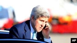 Ngoại trưởng Hoa Kỳ John Kerry đang dẫn đầu những nỗ lực ngoại giao nhằm thành lập một liên minh quốc tế chống IS.