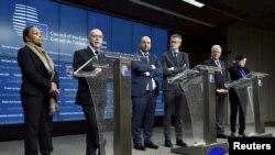 벨기에 브뤼셀에서 20일 개최된 유럽연합 내무·법무장관 회의에 참석한 각 국 대표들이 기자회견을 하고 있다.