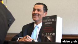 آقای نصر معتقد است در تنش بین عربستان و ایران، نظر غرب به طرف ایران گرایش دارد.