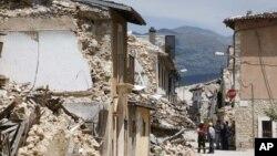 El terremoto de L´Aquila tuvo una magnitud de 6,3 grados y mató a 308 personas en la ciudad y los alrededores.