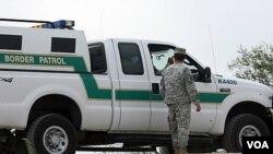 EE.UU. ha tenido muchos problemas con el tema de inmigrantes mexicanos tratando de entrar el país ilegalmente.