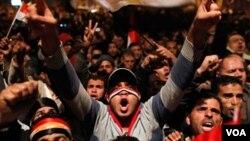 Mubarak dao ostavku, napustio Kairo