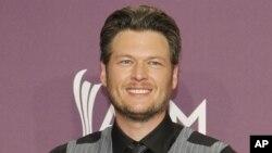Blake Shelton ocupa esta semana el primer lugar de popularidad en la cartelera country.