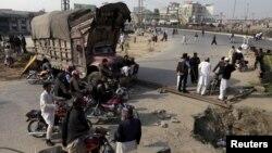 Khi tin tức về vụ xử tử lan đi, các cuộc biểu tình đã bùng ra tại một số khu vực, trong đó có cả Rawalpindi, ngày 29/2/2016.