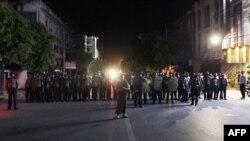 缅甸第二大城市曼德勒: 警察岗哨