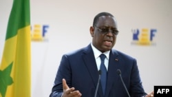 Macky Sall a pris une dose du vaccin chinois Sinopharm