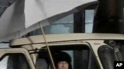 卡扎菲星期二现身电视