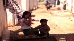 Табори біженців розрослись у злиденні містечка