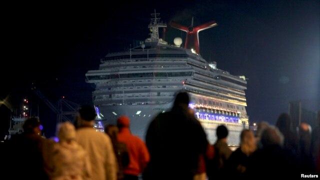 Cada uno de los pasajeros recibirá $500 dólares como compensación por el malogrado viaje de descanso.