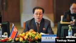 지난 2012년 8월 장성택 북한 국방위 부위원장이 베이징에서 열린 황금평ㆍ위화도, 나선지구 공동개발을 위한 제3차 개발합작연합지도위원회 회의에 참석했다.