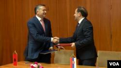 Ministri turizma Srbije i Albanije, Rasim Ljajić i Blendi Klosi, Foto: Grab
