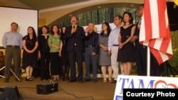 Luật sư Nguyễn Tâm và ban vận động tranh cử nghị viên San Jose (ảnh Bùi Văn Phú)