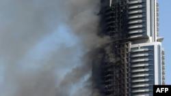 Kebakaran melanda sebuah hotel di Dubai pada malam tahun baru 2016 lalu (foto: dok).