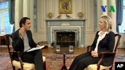 克林顿国务卿接受美国之音专访