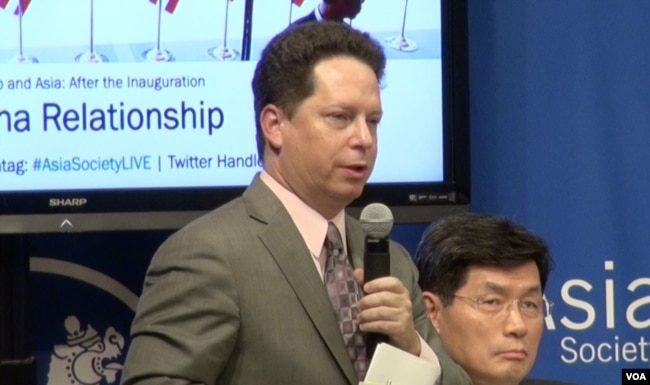 甘思徳,战略与国际研究中心中国项目副主任 (美国之音章真拍摄)