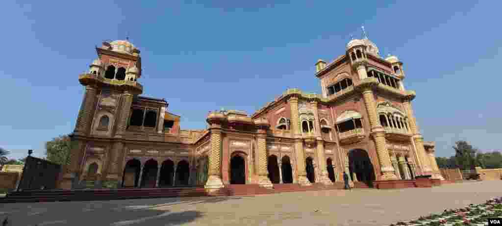 سن 1933 میں پیدا ہونے والے تالپروں کے آخری بادشاہ میر علی مراد خان تالپور (دوئم) کا قیام اس ہی محل میں رہا۔
