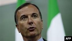 Ngoại trưởng Frattini nói rằng nhà lãnh đạo Libya đã đánh mất cơ sở hậu thuẫn ở Libya cũng như sự ủng hộ của quốc tế