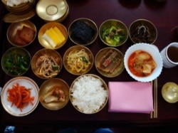 [VOA 현장영어] I've never tried Korean food before.