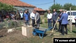 Predstavnici Srpske liste u obilasku srpskih sredina (Foto: Budimir Ničić)