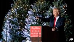 2016年12月16日,候任总统川普在佛罗里达奥兰多的一次集会上发表讲话。