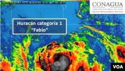 El Servicio Meteorológico Nacional de México avisó el lunes que Fabio se había convertido en un huracán de categoría 1.