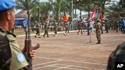 Les troupes onusiennes lors d'une cérémonie à Bangui, en Centrafrique, le 15 septembre 2014.