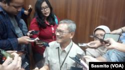 Sekjen Pencegahan dan Pengendalian Penyakit Kemenkes Achmad Yurianto saat menggelar konferensi pers tentang coronavirus di kantor Kemenkes, Jakarta, Senin, 10 Februari 2020. (Foto: VOA/Sasmito)