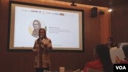 Direktur Tata Kelola Aplikasi Informatika Kominfo Mariam F Barata saat memberikan pelatihan pentingnya data pribadi di Jakarta, Kamis (10/10/2019). Foto: Sasmito