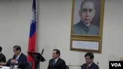 马英九以国民党主席身份最后一次参加中常会 (美国之音许波拍摄)