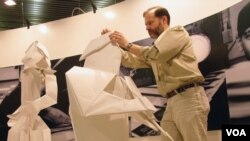 折纸艺术家罗伯特∙朗