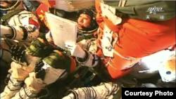 Kineski astronauti u kapsuli Šenžu 9 pre spajanja sa modulom Tiangong 1