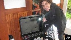 劳拉•施塔赫尔与她的太阳能电力箱