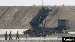 지난 2월 일본 남부 오키나와현 이시가키 섬에 배치된 패트리어트 PAC-3 지대공 방어 미사일. (자료사진)