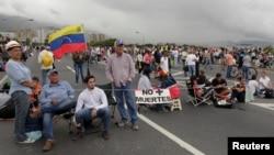 Plantón en una carretera de Caracas el 15 de mayo.