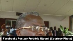 Pasteur Ntumi joint par Nicolas Pinault